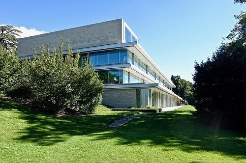 Zgrada i sedište Uefe u Nionu, Unija Evropskih Fudbalskih Asocijacija